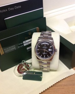 Rolex replica Day-Date 118209 White Gold Black Baton4